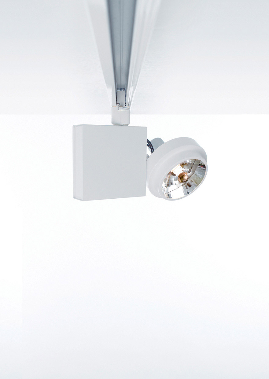 SPOT SISTEMA - Ceiling lamp with adjustable spotlight