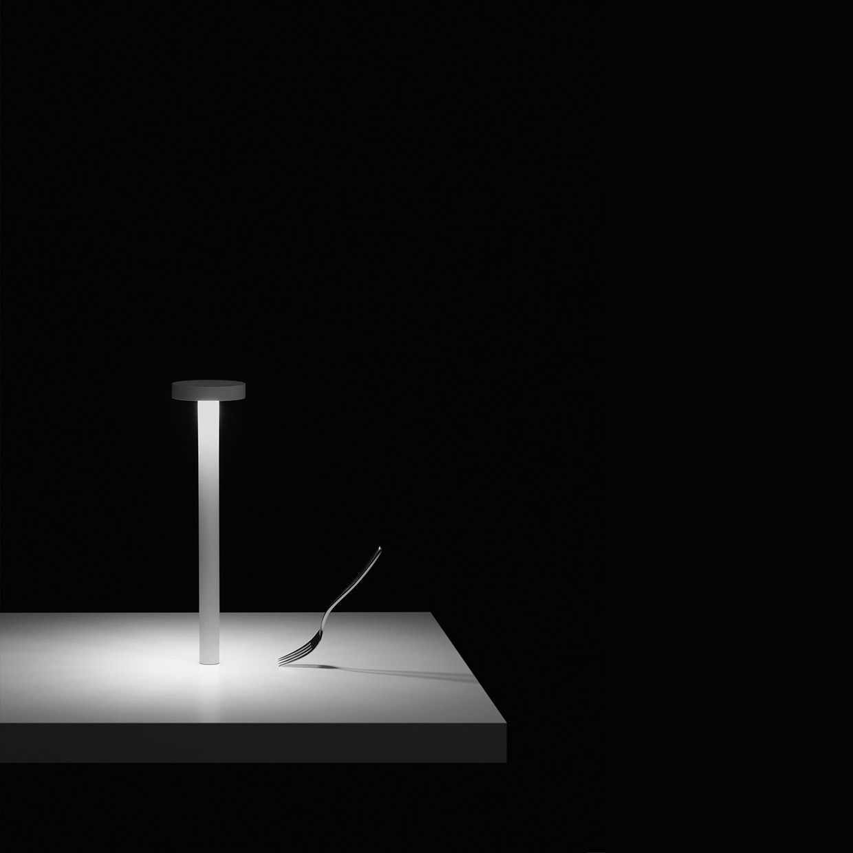 TETATET - table LED lamp with magnetic base
