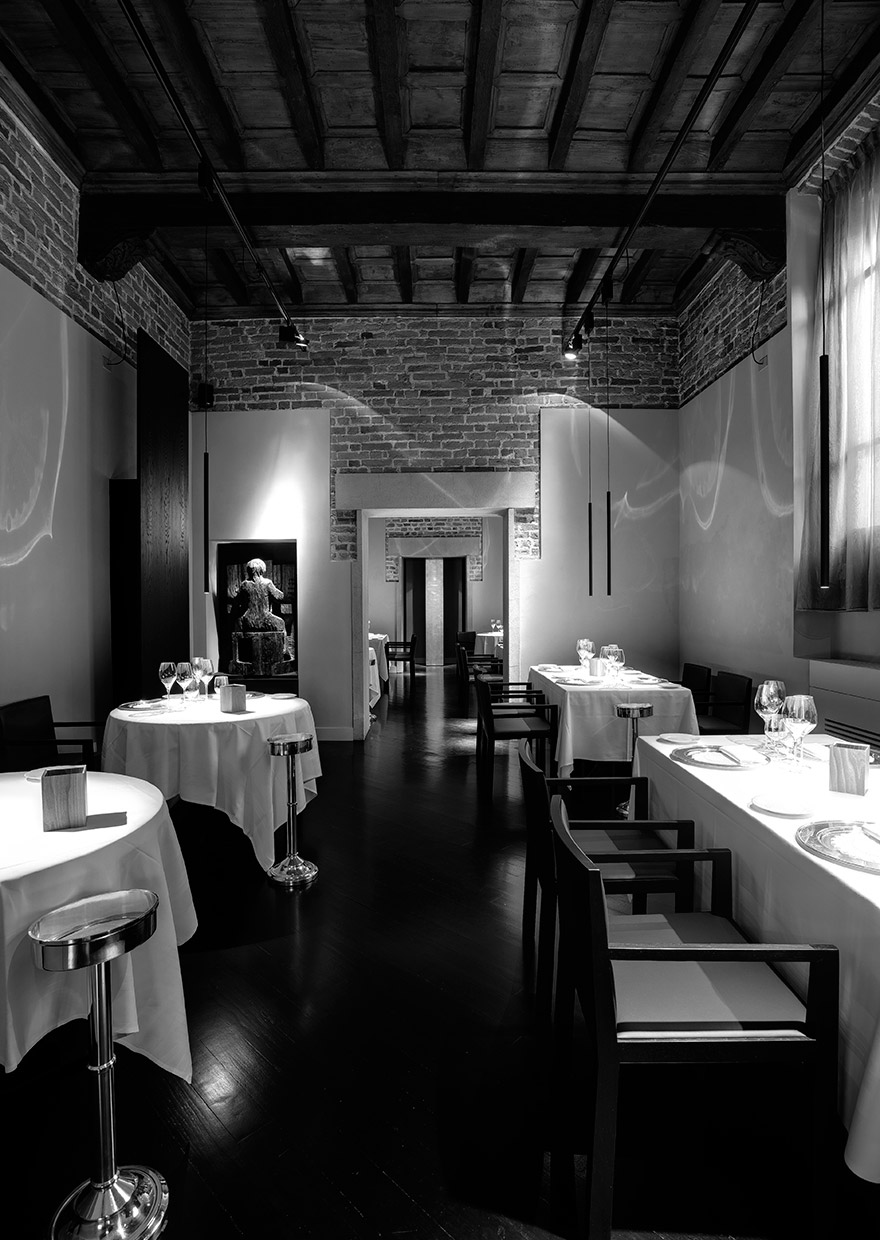 Antica Osteria del Teatro - MISS suspension lamp